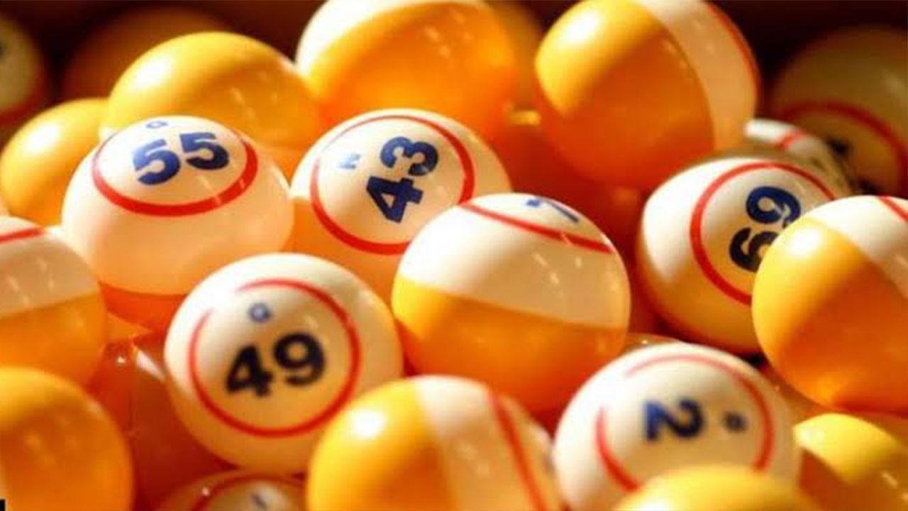 One Irish Lotto punter won £250,000 lottery prize